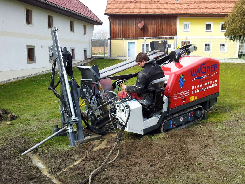Horizontal-Bohranlage, horizontal directional drilling © TERRA AG, Reiden, Switzerland