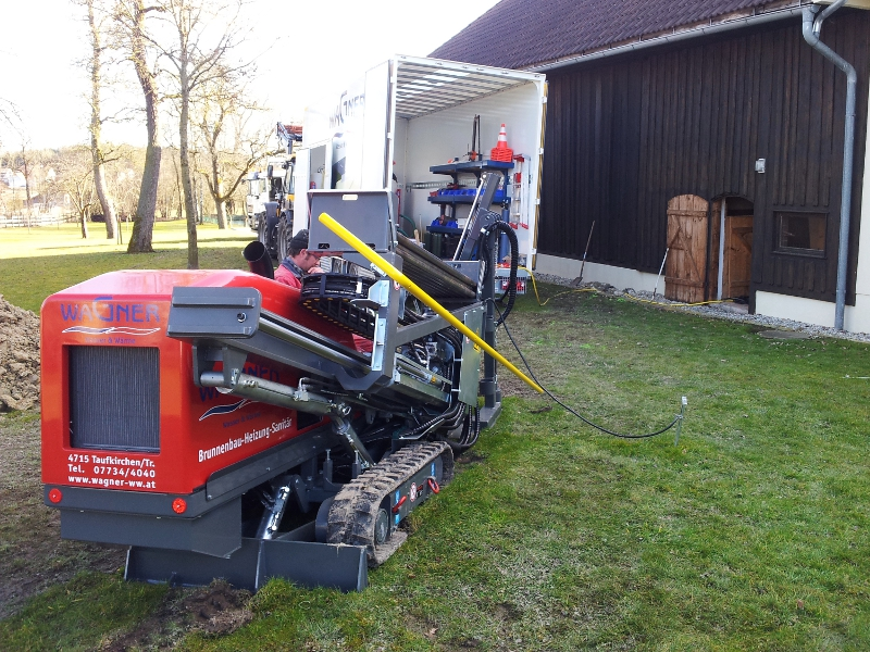 speziell ausgerüsteter Anhänger, specifically equipped trailer © TERRA AG, Reiden, Switzerland