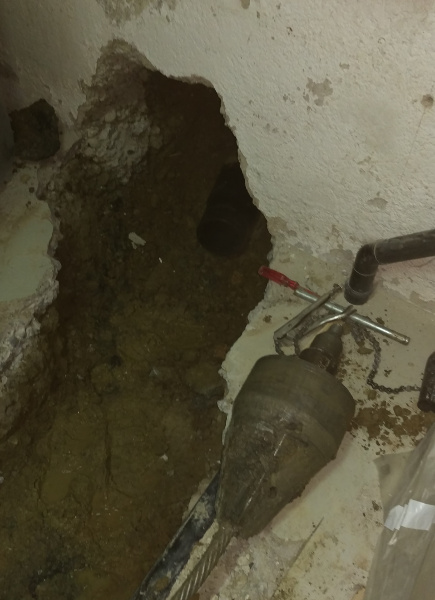 Cable Burster X 300 C renews Sewer House Connection, TERRA  site report 231, pic 7