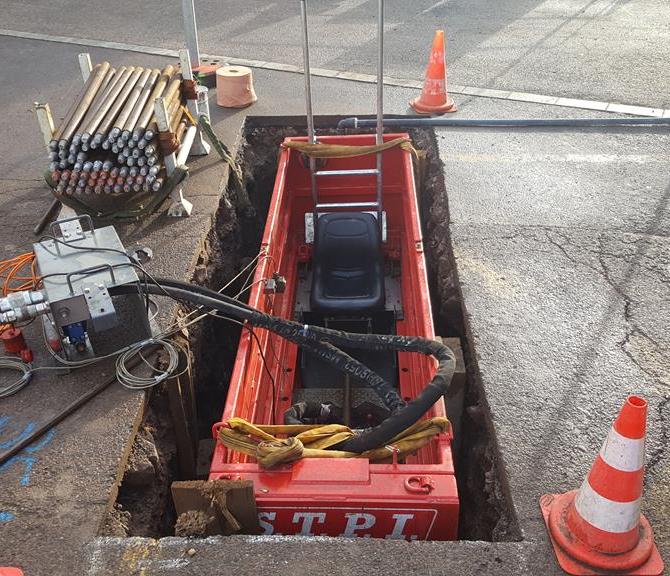 Dismountable trench box